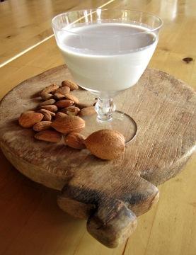 latte-di-mandorle-2[1]